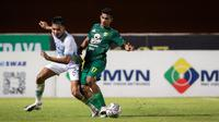 Pertandingan Persela melawan Persebaya Surabaya pada lanjutan BRI Liga 1 2021/2022 di Stadion Maguwoharjo, Sleman, Kamis (21/10/2021). (Bola.com/Bagaskara Lazuardi)