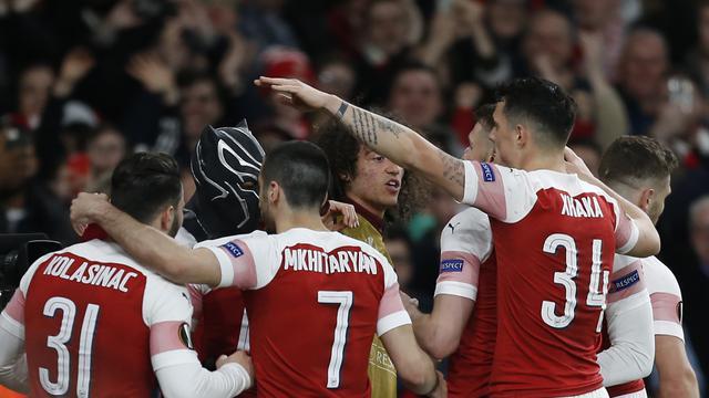 Arsenal Lolos ke 8 Besar