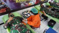 Jelang Hari Juang TNI AD 2020, Korem 071/Wijayakusuma gelar donor darah sebagai bentuk kepedulian terhadap sesama. (Foto: Liputan6.com/Humas Pemkab Banyumas)