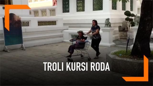 Sekelompok remaja Thailand bekerja sama membuat kursi roda dari troli bekas. Nantinya kursi roda diperuntukkan kepada lansia tidak mampu secara gratis.