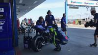 Pembalap Movistar Yamaha, Valentino Rossi ada di urutan kedua FP1 MotoGP Thailand 2018. (Twitter/Yamaha MotoGP)