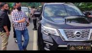 Polisi amankan pengmudi SUV yang pakai pelat dinas palsu (Humas Polres Majalengka)