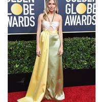 Sienna Miller kenakan gaun bernuansa kuning pastel dari Gucci (Foto: Instagram/ Gucci)
