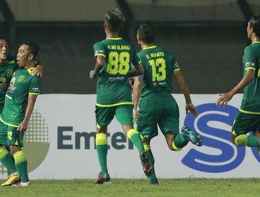 FOTO: Persebaya Raih Kemenangan kedua usai Tundukkan Madura United 2-1 - Rendi Irwan; Tim Persebaya Surabaya
