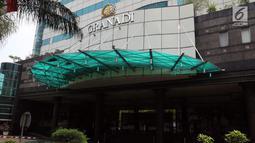 Penampakan Gedung Granadi di Jalan HR Rasuna Said Kuningan, Jakarta, Rabu (21/11). Penyitaan Gedung Granadi dilakukan guna menjalankan putusan MA atas gugatan Kejaksaan Agung terhadap Yayasan Supersemar. (Liputan6.com/JohanTallo)