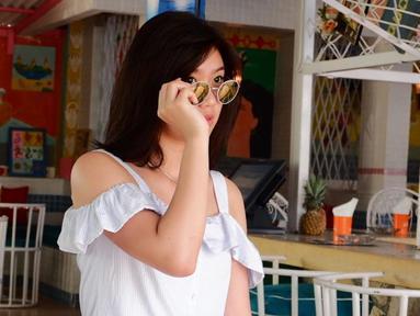 Wanita kelahiran Banjarmasin, 26 Januari 1998 ini  memutuskan mengundurkan diri dari grup idol yang membesarkan namanya JKT48 pada tahun 2016 silam. Kini ia fokus menempuh pendidikan di fakultas kedokteran Universitas Hang Tuah, Surabaya. (Liputan6.com/IG/@hanna.sutiono)