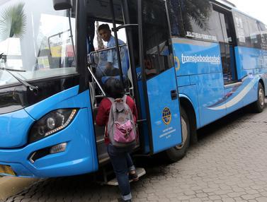 Bus TransJabodetabek Premium