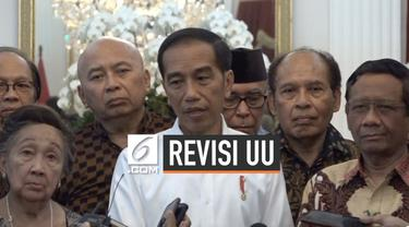 Presiden Joko Widodo atau Jokowi mengundang puluhan tokoh yang terdiri dari budayawan, ahli hukum, seniman, hingga pengusaha ke Istana Merdeka Jakarta, Kamis (26/9/2019). Salah satu hal yang dibahas yaitu, aksi demonstrasi mahasiswa menolak revisi UU...