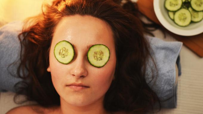 058999700 1554458463 beauty cucumber facial 3192