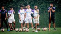 Skuad RANS Cilegon FC saat berlatih di Kusuma Agro Wisata, Kota Batu. (Bola.com/Iwan Setiawan)