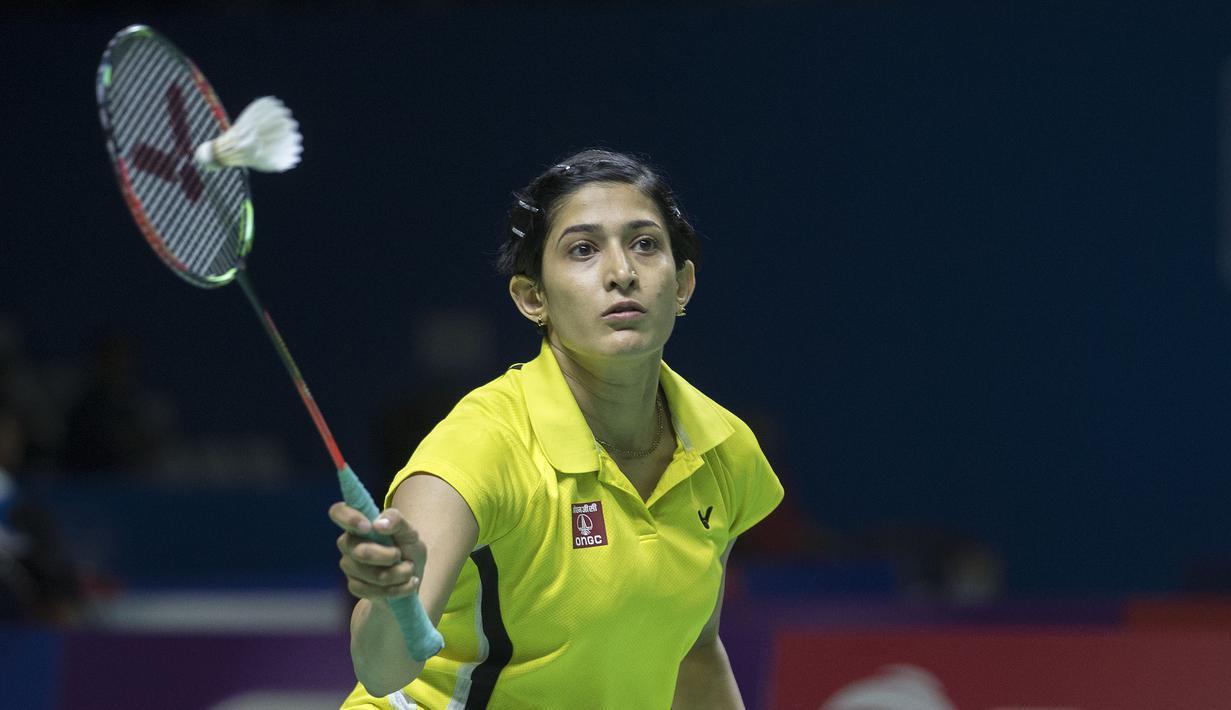 Pesona Ashwini Ponnappa pebulutangkis India saat tampil pada Indonesia Open 2019 di Istora Senayan, Jakarta, Rabu (17/7/2019). (Bola.com/Peksi Cahyo)