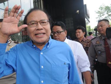 Ekspresi Rizal Ramli Saat Penuhi Panggilan KPK