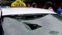 Perkembangan teknologi memaksa perusahaan taksi untuk terus berbenah diri.