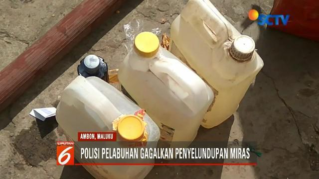 Polisi musnahkan puluhan liter miras tradisional jenis sopi di Ambon, Maluku.