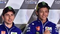 Jorge Lorenzo dan Valentino Rossi (EPA/Hendrik Schimdt)
