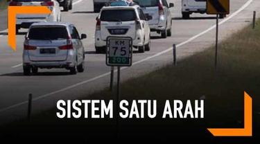 Rencana penerapan sistem satu arah atau one way di jalan tol Trans Jawa saat mudik Lebaran 2019 akhirnya resmi diberlakukan. Strategi tersebut, diyakini dapat mengurai kemacetan di Tol Trans Jawa ketika musim mudik berlangsung.