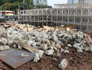 Sambut Tahun Baru, Pemprov DKI Bongkar Instalasi Batu Gabion
