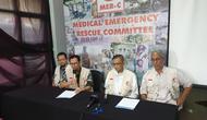 Pembina Medical Emergency Rescue Committee (MER-C) Joserizal Jurnalis saat memberikan keterangan terkit petugas KPPS yang wafat. (Liputan6.com/Nanda Perdana Putra)