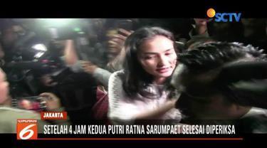 Atiqah Hasiholan jadi saksi kasus penyebaran hoaks ibunya, Ratna Sarumpaet. Dia diberondong 16 pertanyaan oleh Ditkrimum Polda Metro Jaya.