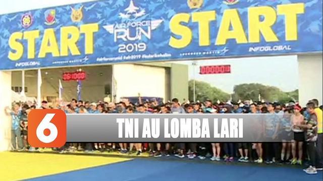 TNI Angkatan Udara menggelar lomba lari Air Force Run di Lanud Halim Perdana Kusuma, Jakarta Timur.