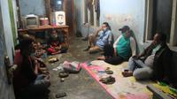 Kementerian Sosial RI melalui Unit Pelaksana Teknis (UPT) Balai Residen Galih Pakuan Bogor melakukan tanggap kasus fenomena Anak Punk di Kota dan Kabupaten Tasikmalaya, Jawa Barat.