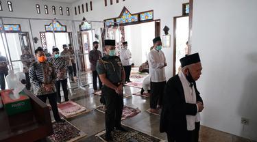Wapres Ma'ruf Amin menjadi imam salat Jumat, (12/6/2020).