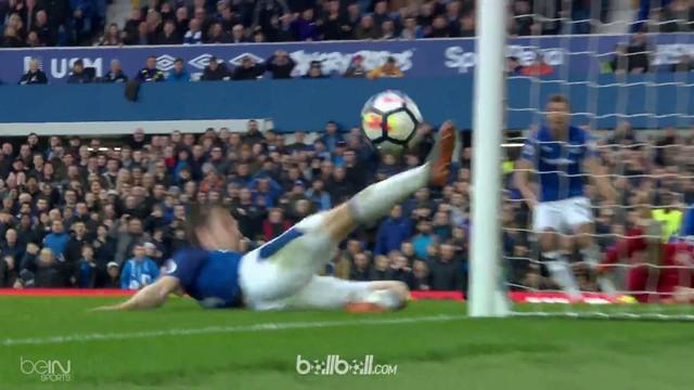 Berita video highlights Everton vs Liverpool dalam lanjutan Premier League 2017-2018. This video presented by BallBall.