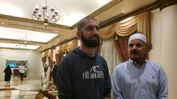 Shahzad Khan dan Nasim Ayub, jemaah haji dari Amerika Serikat. Liputan6.com/Nurmayanti
