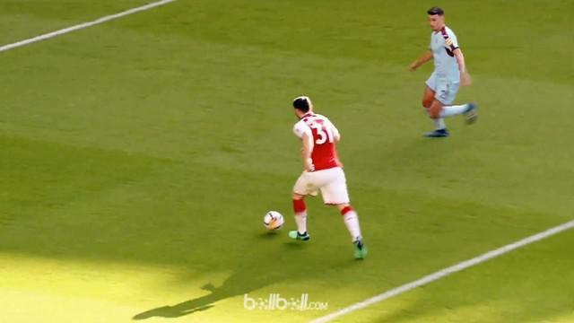 Berita video gol Sead Kolasinac ini bisa diartikan sebagai hadiah perpisahannya untuk mantan manajer Arsenal, Arsene Wenger. This video presented by BallBall.