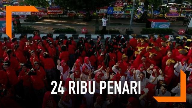 24 ribu penari menyemarakkan puncak acara hut Kota Semarang. Ribuan penari ini sekaligus mengukir rekor sebagai tari kolosal dengan peserta terbanyak.