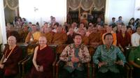 Menteri Agama Lukman Hakim Saifuddin dan Sri Sultan HB X menghadiri pembukaan Konferensi Wanita Buddhis Internasional Sakyadhita ke-14 di Yogyakarta, Selasa (23/6/2015). (Liputan6.com/Fathi Mahmud)
