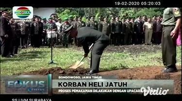 Sekira pukul 00.05 WIB, dini hari, Selasa (18/02), jenazah Pratu Tegar Hadi Sentana, korban musibah helikopter MI-17 V5 HA-5138 jatuh di Papua, tiba di rumah duka, di Desa Sulingkulon, Kecamatan Cerme, Kabupaten Bondowoso, Jawa Timur.