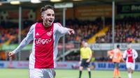 Pemain Ajax Amsterdam, Abdelhak Nouri, beraksi beberapa waktu lalu. Abdelhak Nouri mengalami cedera permanen pada otak yang membuatnya dalam kondisi kritis. (Voetbalzone)