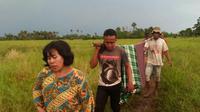 Sembilan petani di Tinanggea, Konawe Selatan, Sulawesi Tenggara. Empat petani tewas mengenaskan, sedangkan enam orang terluka bakar. (Liputan6.com/Ahmad Akbar Fua)