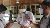 Plt Kepala Dinas Kesehatan Kabupaten Blora, Edi Widayat ketika diwawancarai sejumlah awak media. (Liputan6.com/Ahmad Adirin)
