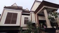 Rumah mewah Eyang Wulan Guritno (Sumber: YouTube/Baim Paula)