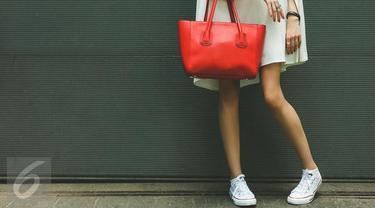 5 Jenis Sepatu Ini Tepat untuk Dikenakan dengan Celana Pendek