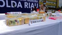 Barang bukti narkoba berupa 26 kilogram sabu sitaan Polda Riau. (Liputan6.com/M Syukur)