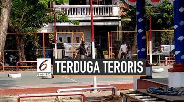 Polisi menangkap seorang terduga teroris di Cilincing, Jakarta Utara. Tersangka dikenal tetangga sebagai sosok pendiam dan religius.