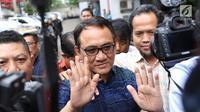 Politikus Partai Demokrat Andi Arief tiba di Gedung BNN, Cawang, Jakarta Timur, Rabu (6/3). Berdasarkan hasil asesmen, Andi Arief diharuskan menjalani proses rehabilitasi secara berkala. (Liputan6.com/Immanuel Antonius)
