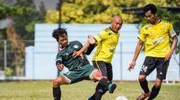 Kerasnya pertandingan saat babak perempat final laga Pertamax Liga Ayo 2019. (Dokumentasi)