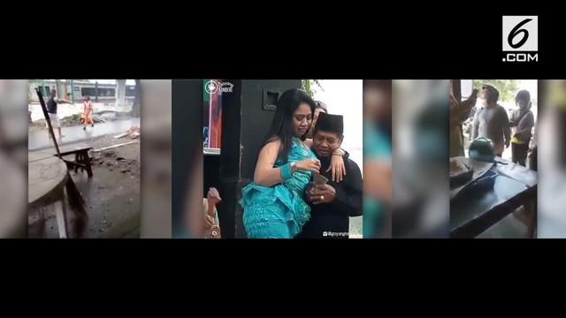 Video Hit kali ini hadir dengan korban kecelakaan yang marah-marah karena dilecehkan, kakek yang minta cium usai nyawer biduan, dan ibu yang pukul anak di jalanan.