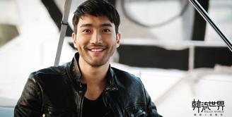 Siwon Super Junior resmi pulang dari wajib militer pada Agustus 2017. Setelah itu, ia bermain drama Revolutionary Love. (Foto: soompi.com)