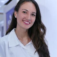 Nadine Chandrawinata curhat soal 5 bulan menikah. (Adrian Putra/Fimela.com)
