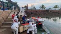 Proses pemulangan ABK WNI terlantar yang bekerja di kapal berbendera RRT kembali ke Indonesia melalui Batam. (Dok: Kemlu RI)