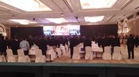 Peserta Kongres PSSI menyanyikan Lagu Indonesia Raya pertanda dibukanya Kongres (Cakrayuri Nuralam)