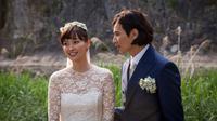 Akhirnya Won Bin resmi mempersunting kekasih hatinya, Lee Na Young dalam sebuah upacara sakral.