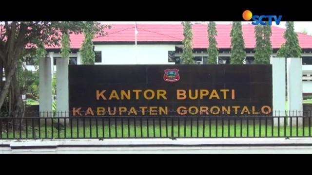 Diduga melakukan penganiayaan, istri Bupati Gorontalo Nelson Pomalingo, dilaporkan ke Polda Gorontalo. Hingga saat ini, Polda Gorontalo masih melakukan penyelidikan terkait kasus tersebut.