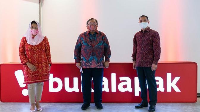 Bukalapak mengumumkan pengangkatan Komisaris Utama, yakni Bambang Brodjonegoro dan Komisaris, Yenny Wahid.(Foto: Bukalapak)
