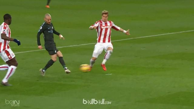 Berita video kemenangan Manchester City atas Stoke City berkat David Silva dalam lanjutan Premier League 2017-2018. This video presented by BallBall.